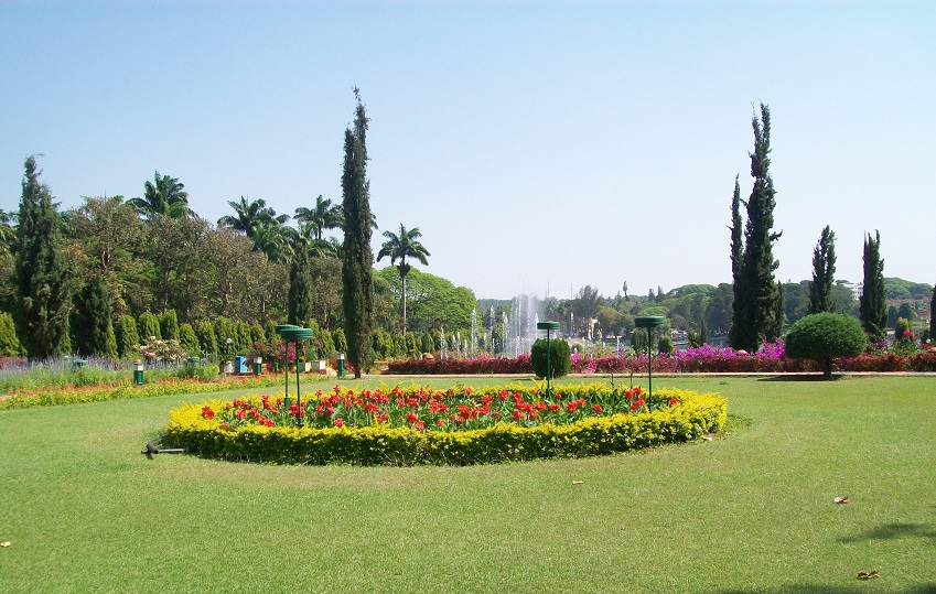Vrindavan Gardens at Mysore – a visual treat during day time!