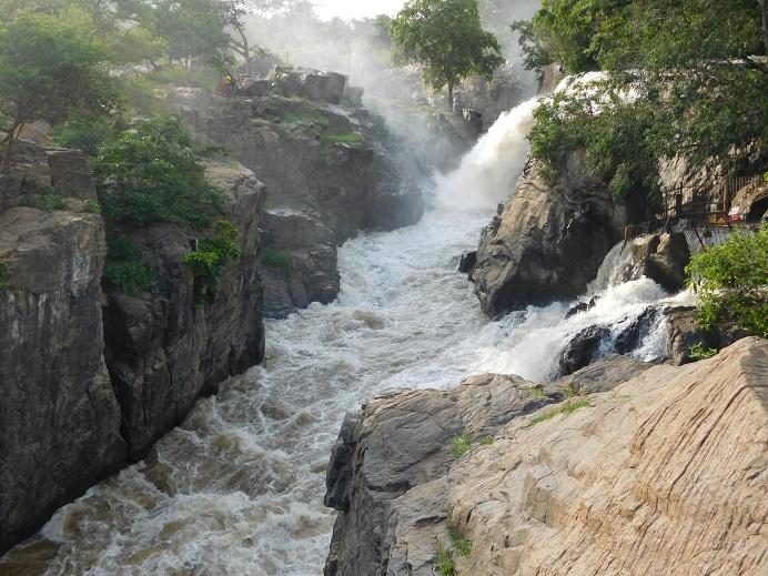 Hognekkal Falls