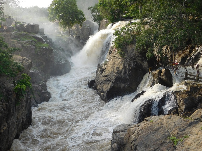 Hognekkal Falls – As wonderful as it can be during rainy season