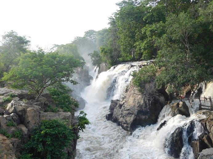 Hognekkal Falls - As wonderful as it can be during rainy season